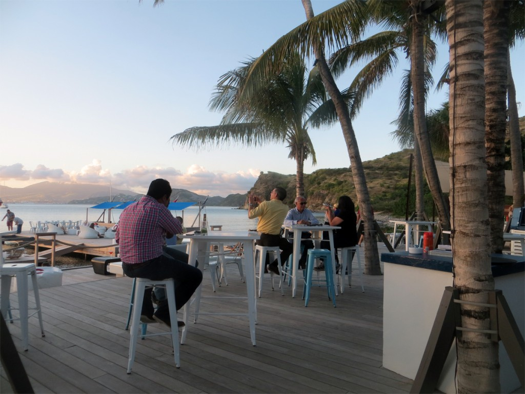 Bar with Basse Terre BG