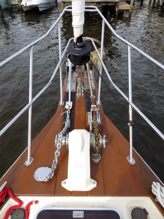 Muir Cheetah 2500 electric anchor windlass with up/down foot switches on foredeck